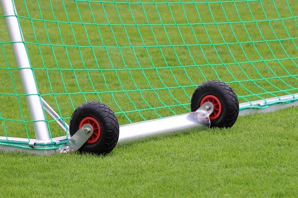 Sportgeräte kaufen - Kippsicherung für Fußballtore von artec Sportgeräte