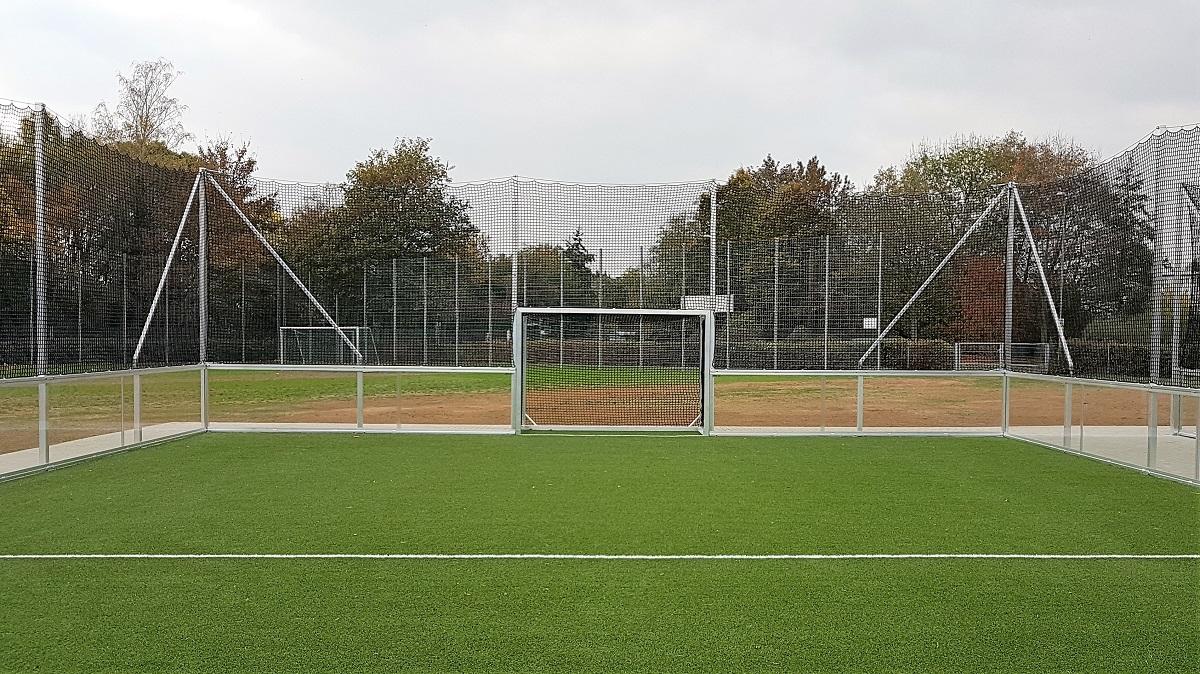 Soccer Courts mit verglaster Bande direkt vom Hersteller