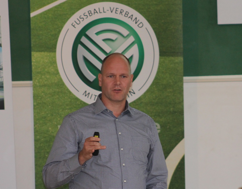 Dr. Holger Schmitz referiert beim FVM