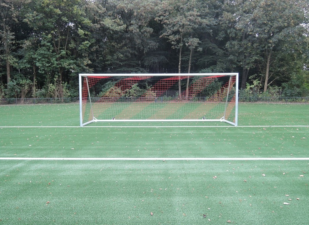 Safety soccer goals with counterweights