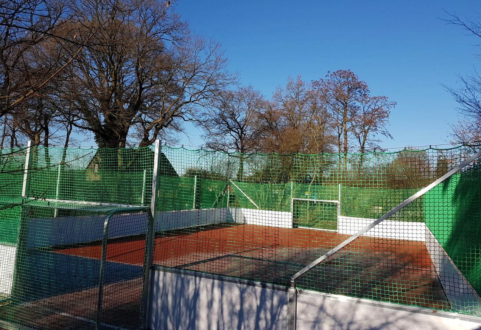 Soccercourt mit Ballfanganlage von artec in Geeste aufgebaut