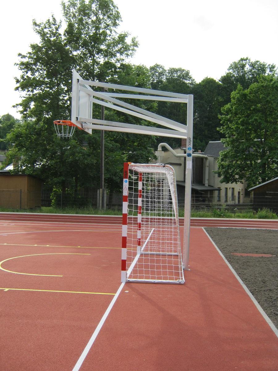 Basketball Zweimastanlage mit Handballtor