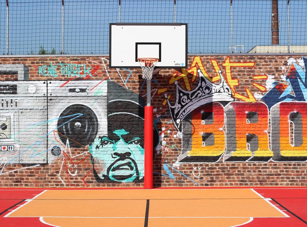 Basketball posts and basketball units
