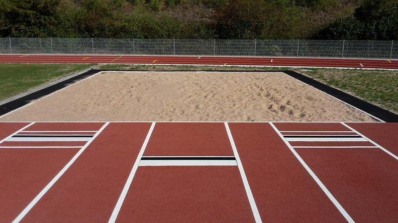 Costa Rica Leichtathletikausstattung Absprungbalken mit Sprunggrube