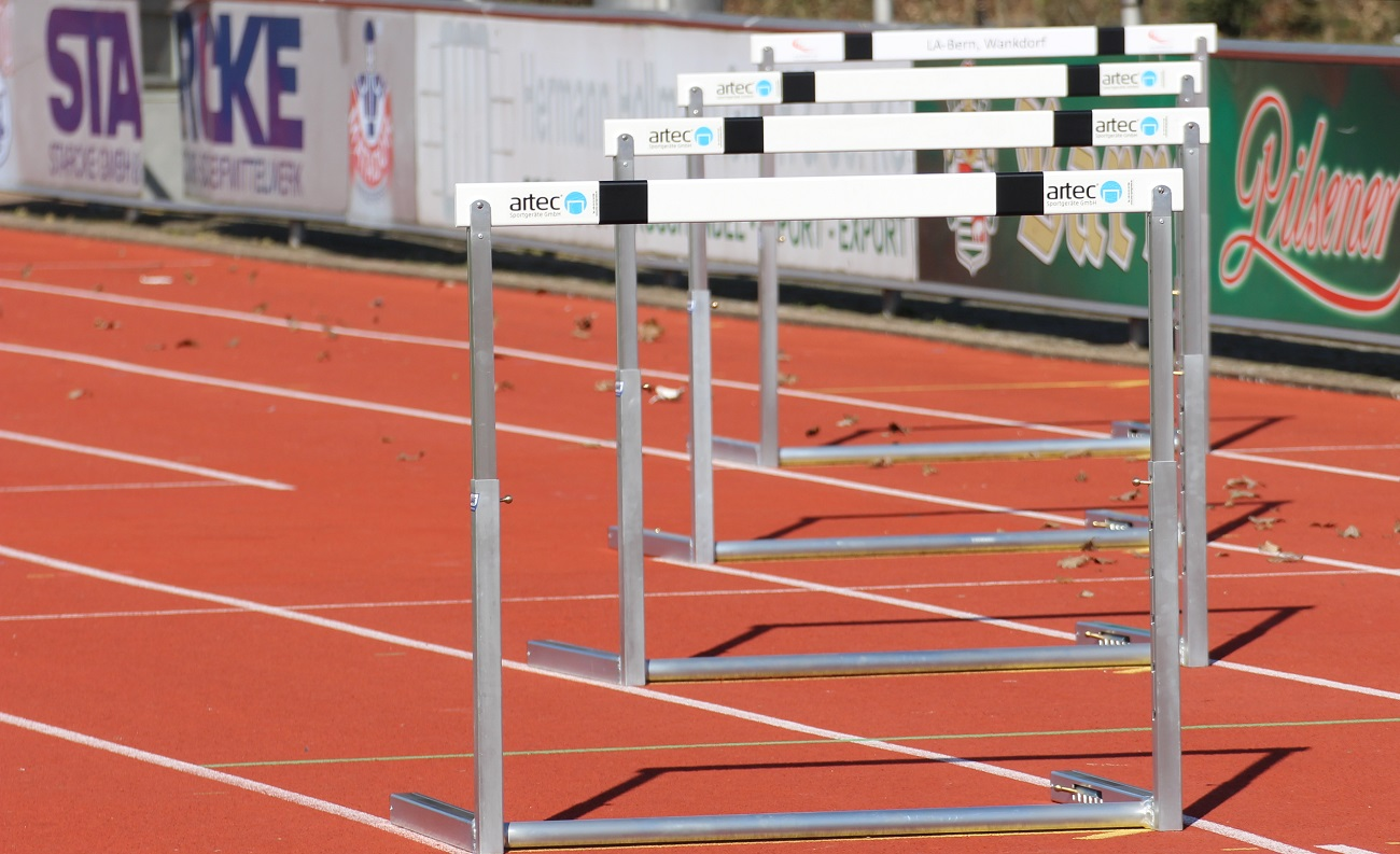 Competition hurdles IAAF certified with aluminium hurdle trolley