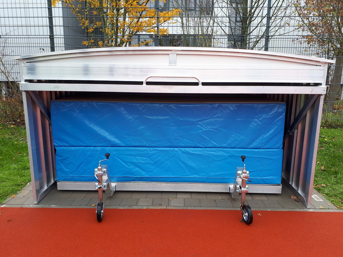 Folding high jump landing areas and mobile platform safety cover