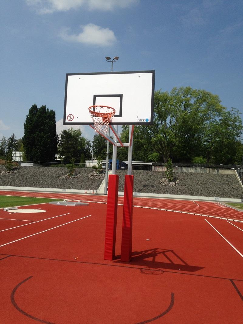 Umfassende leichtathletikausstattung Basketballanlage