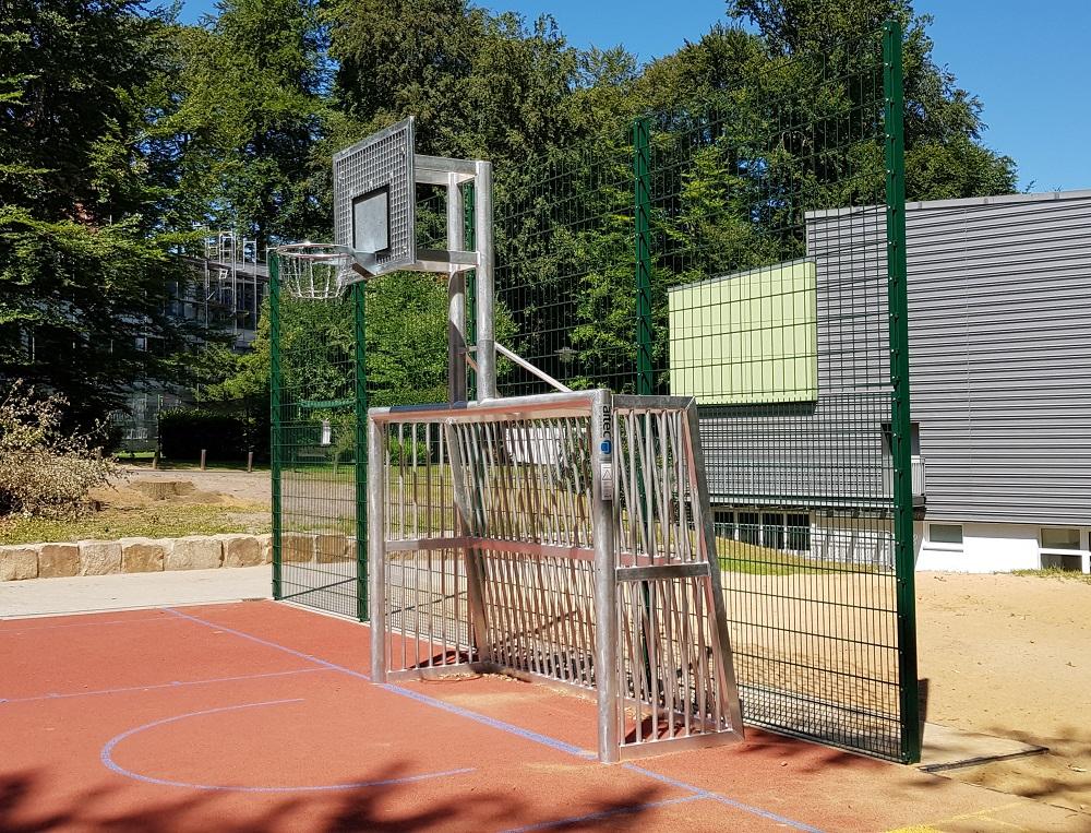 Mehrgenerationenspielplatz Bolztore mit Basketballaufbau