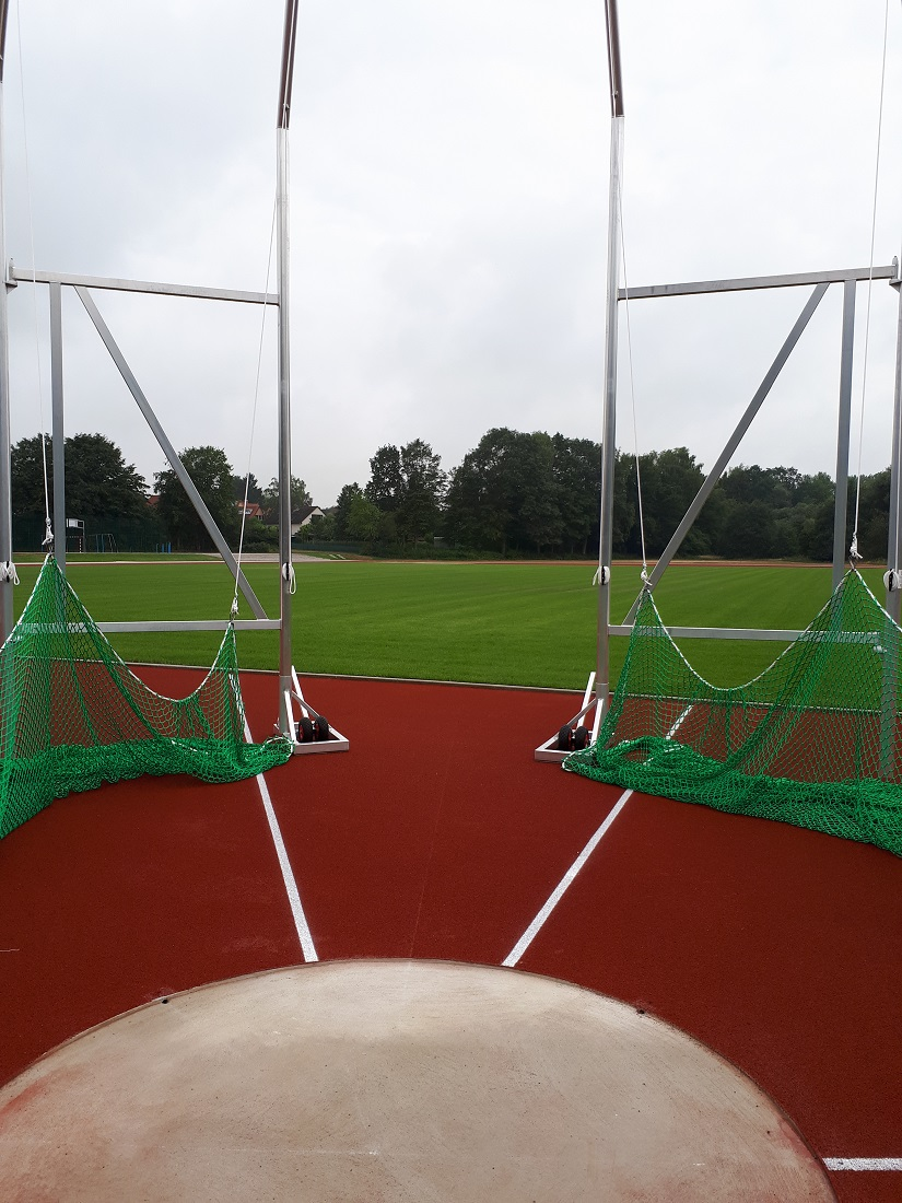 discud ring and discus cage IAAF