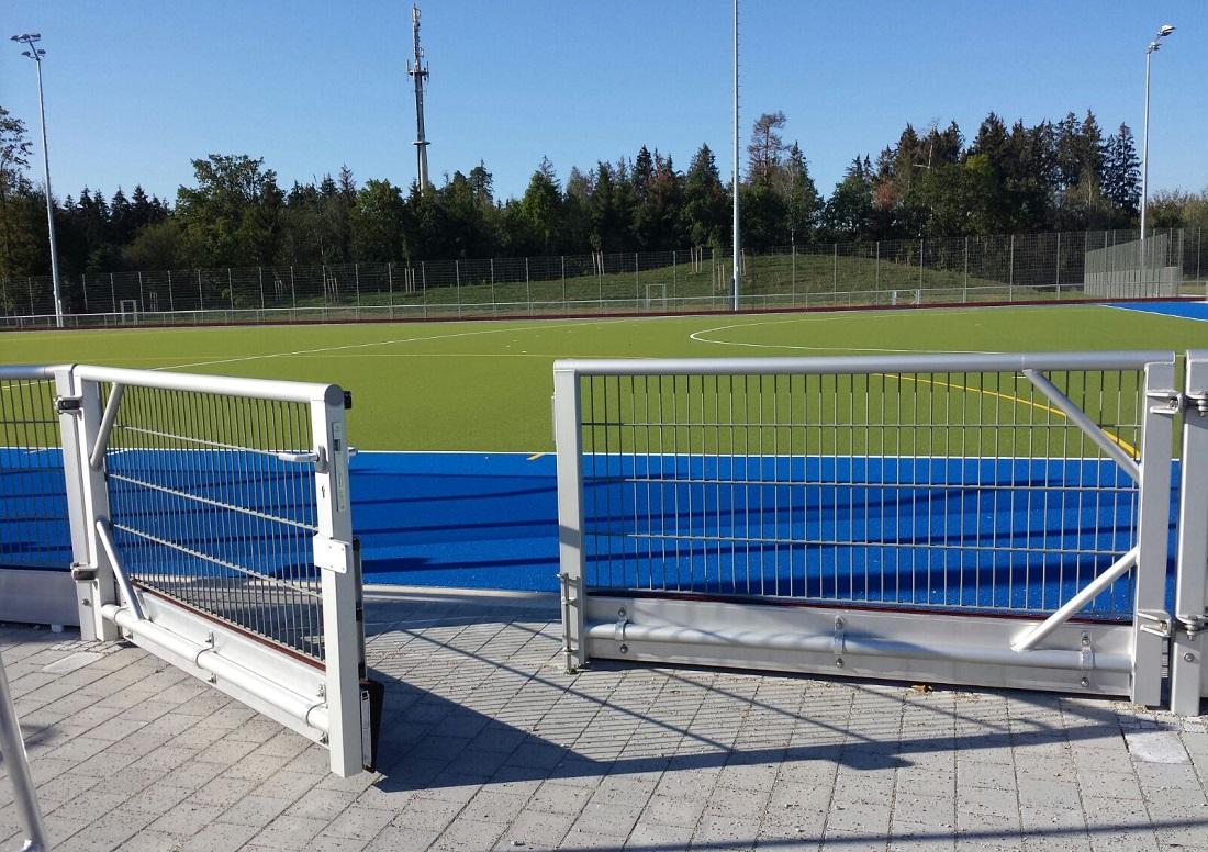 Barrieresysteme mit Gittermatten verzinkt und Tor