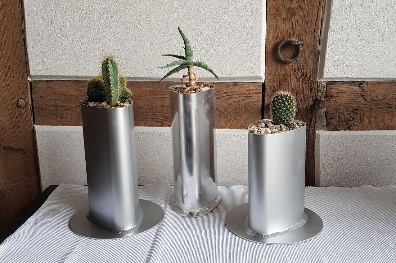 Exklusive Blumenvase aus Aluminium