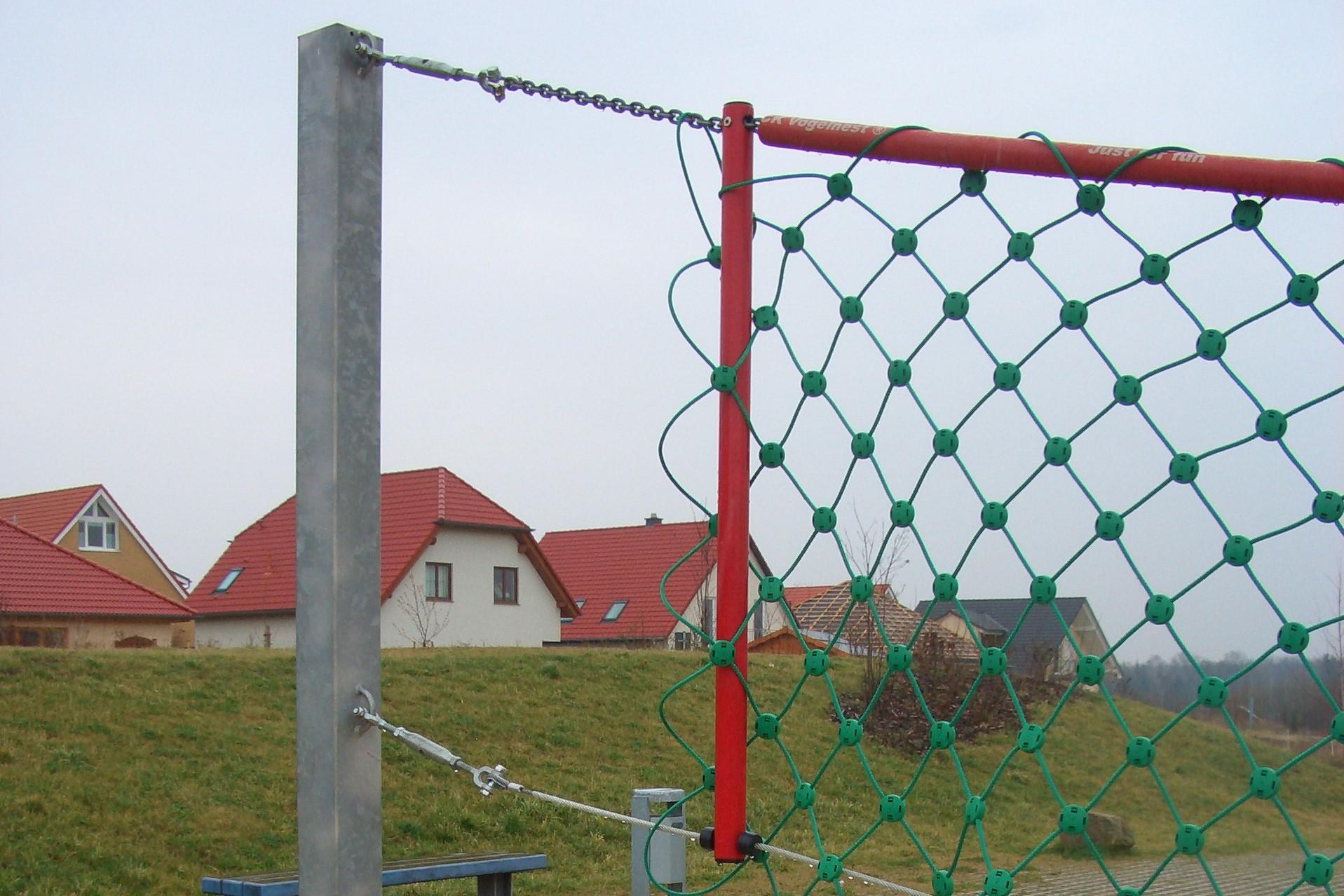 Volleyballpfosten mit Herkulesnetz