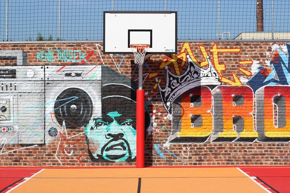 basketball posts and basketball units outdoor
