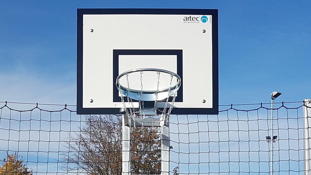 Basketballzielbrett mit Korb